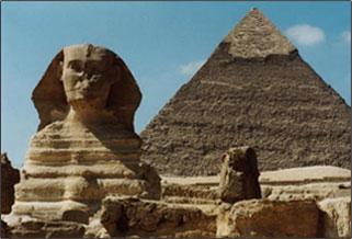 ピラミッド労働者が食べたニンニク